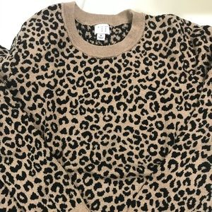 A new day leopard sweater M